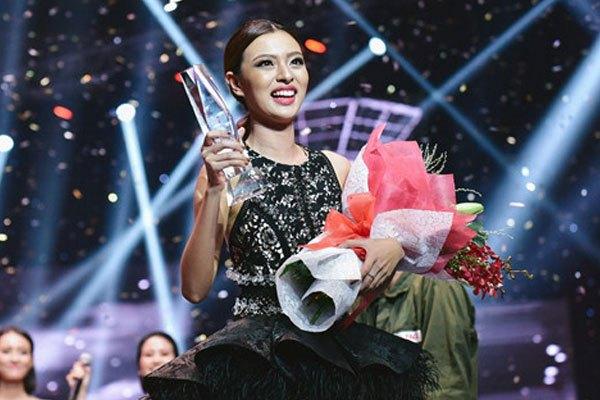Tú Hảo được nhận tivi OLED LG 300 triệu trong đêm chung kết The Face