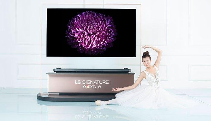 Đồng Ánh Quỳnh chiến thắng thử thách chụp cùng tivi LG