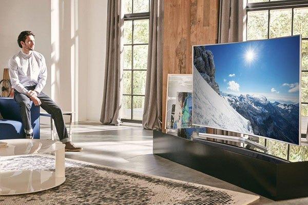 Smart tivi OLED cong đẳng cấp với màn hình uốn cong tuyệt mỹ