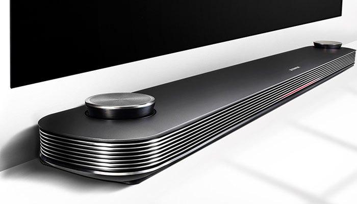 Loa rời của tivi OLED LG với công suất đến 60W giúp những giây phút thư giãn của gia đình bạn trở nên sống động hơn