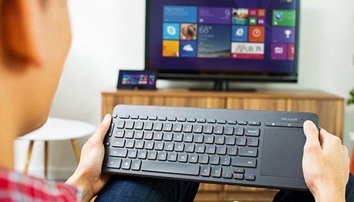 Bàn phím vi tính giúp bạn chơi game đã hơn trên Smart tivi