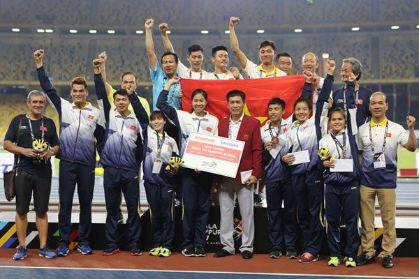 Mong rằng với món quà Nguyễn Kim dành tặng, sẽ góp phần tạo động lực cho đội tuyển nữ Việt Nam trong SEA Games 29