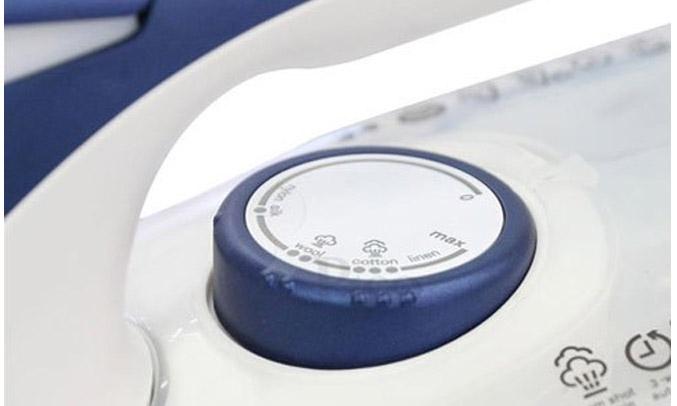 Bàn ủi hơi nước Electrolux ESI6123 nhỏ gọn