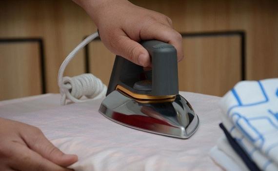Bàn ủi Philips HD1172 chống cháy quần áo