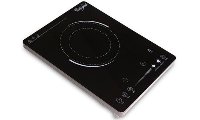 Bếp hồng ngoại Whirlpool ACT209 thiết kế gọn gàng