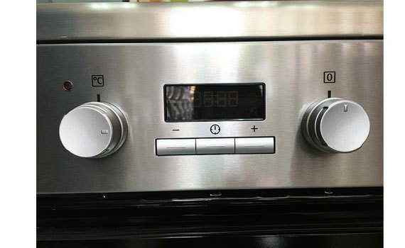 Bếp thùng Electrolux EKI64500OX điều chỉnh nhiệt bằng núm xoay