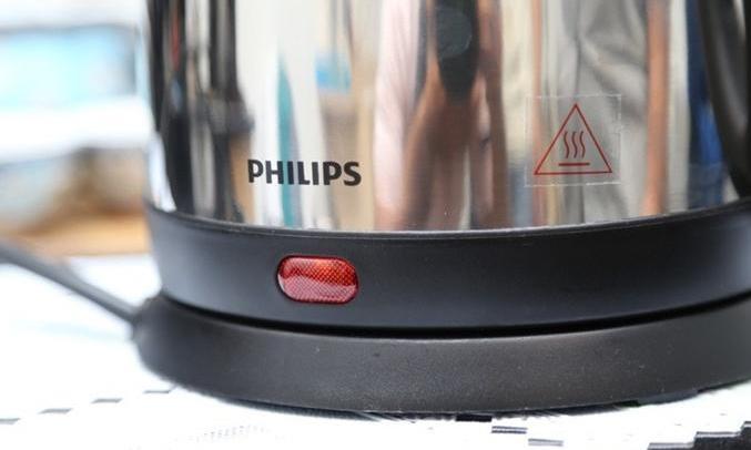 Bình đun siêu tốc Philips HD9303 1.2 lít bền bỉ