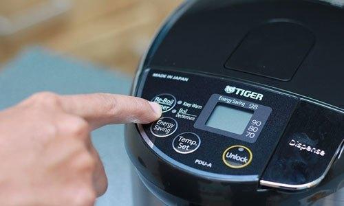 Bình thủy điện loại nào tốt? Bình thủy điện Tiger PDU-A40W