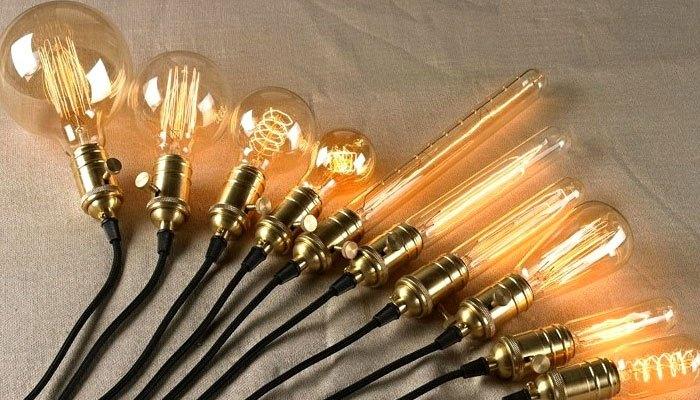 Đèn sợi đốt không thích hợp dùng làm đèn bàn học