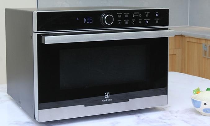 Lò vi sóng Electrolux EMS3288X 4 chức năng nấu, hâm, rã đông, nướng