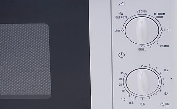 Lò vi sóng Electrolux EMM2021GW có tính năng hẹn giờ thông minh