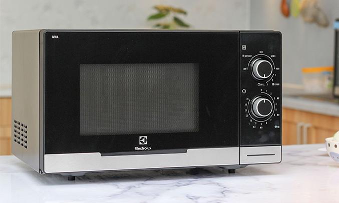 Lò vi sóng Electrolux EMM2318X thiết kế nhỏ gọn