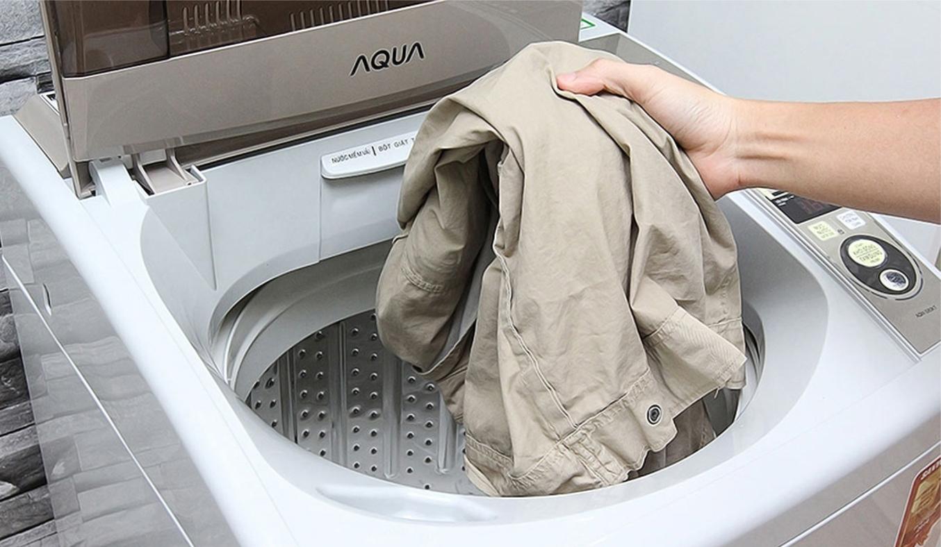 Máy giặt Aqua AQW-S80KT 8 kg tẩy sạch vết bẩn