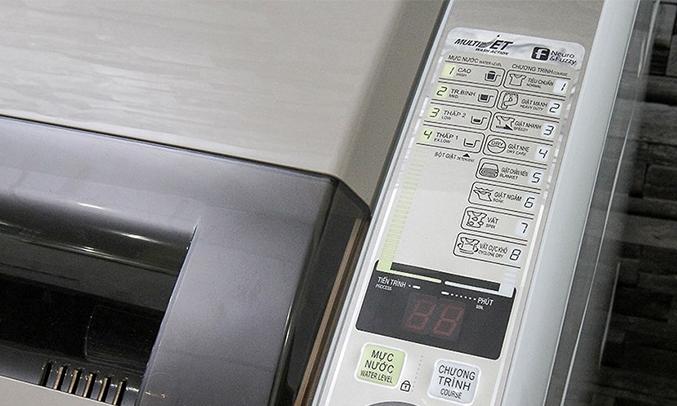 Máy giặt Aqua AQW-S80KT 8 kg tính năng vắt cực khổ