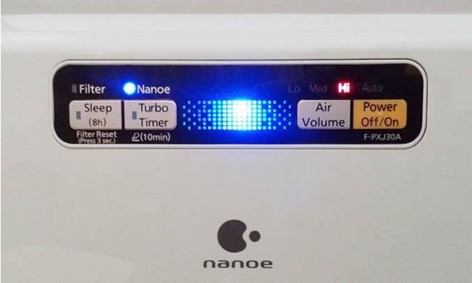 Máy lọc không khí Panasonic F-PXJ30A màu xám dễ điều khiển