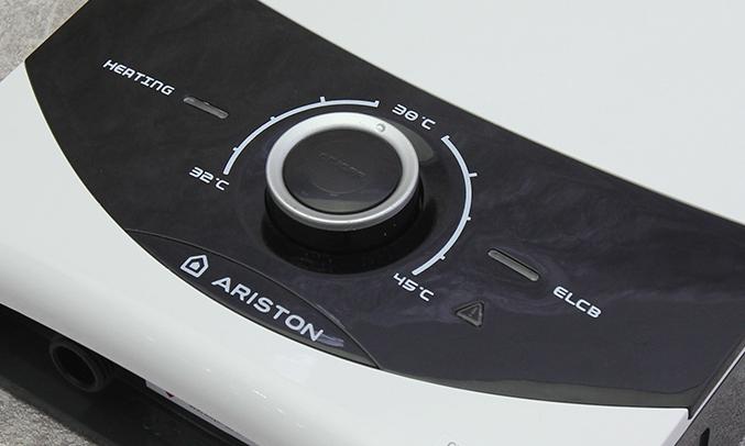 Máy nước nóng Ariston SMC45PE-VN chống bỏng