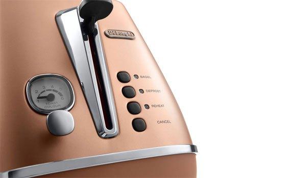 Máy nướng bánh mì Delonghi CTI2103.CP dễ sử dụng