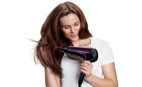 Máy sấy tóc Philips HP8233/00 có chức năng sấy ThermoProtect