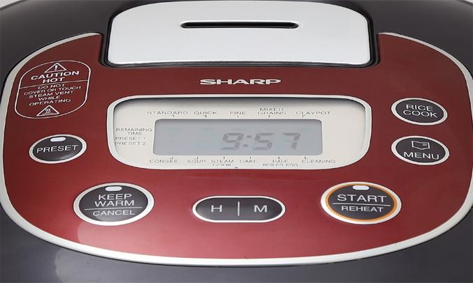 Nồi cơm điện Sharp KS-TH18 RD rất dễ sử dụng