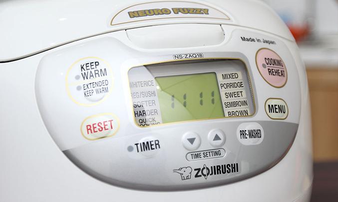 Nồi cơm điện tử Zojirushi 8 chế độ nấu