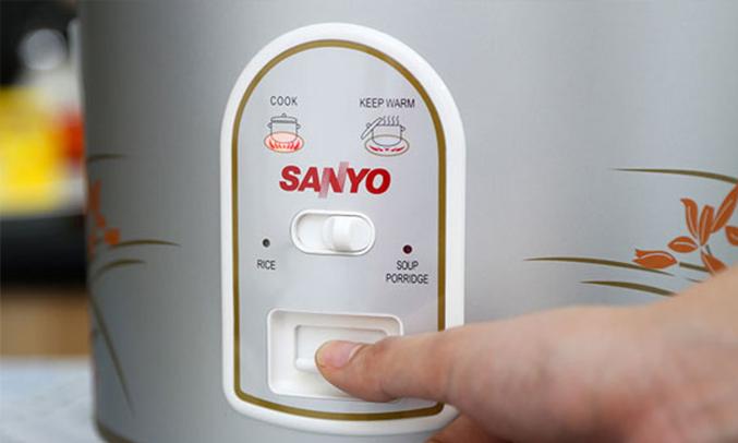 Nồi cơm điện Sanyo ECJ-SP18B 1.8 lít nấu cháo