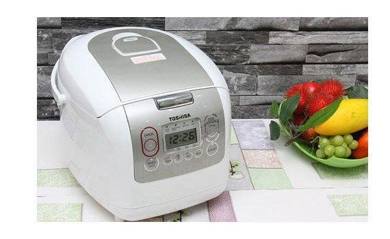 Nồi cơm điện Toshiba RC-18NMFVN(WT) nấu cơm nhanh chín hơn