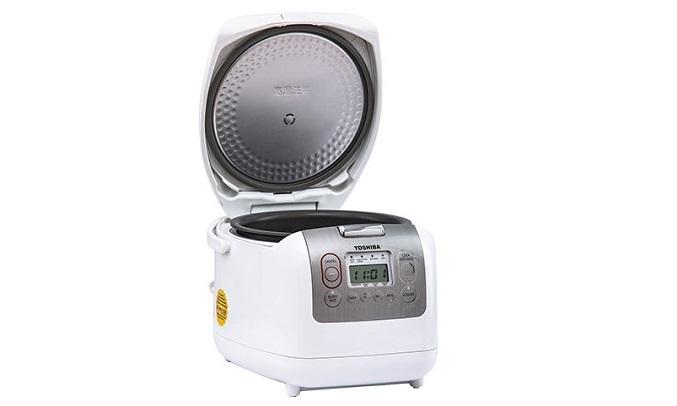 Nồi cơm điện Toshiba 1.8 Lít RC-18NMFVN(WT) Nấu nhanh hơn với công suất 800W