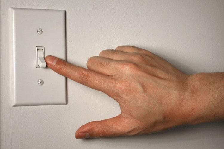 Tắt các thiết bị không dùng đến vừa hỗ trợ làm mát vừa tiết kiệm điện hiệu quả