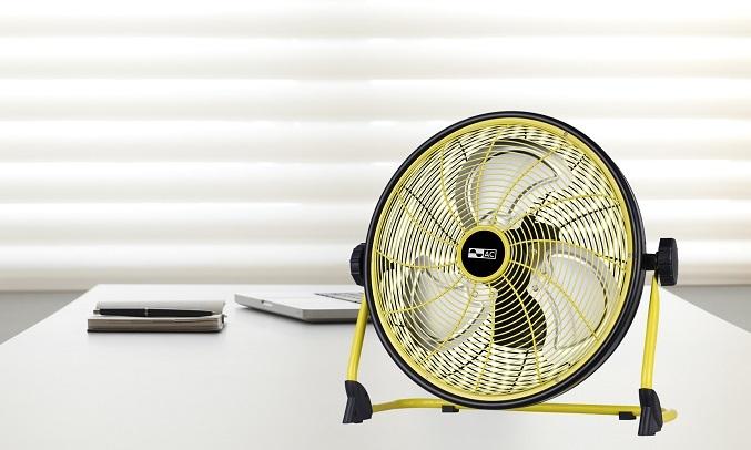 Quạt sạc 10W AC ARF01D113 - Thiết kế nhỏ gọn