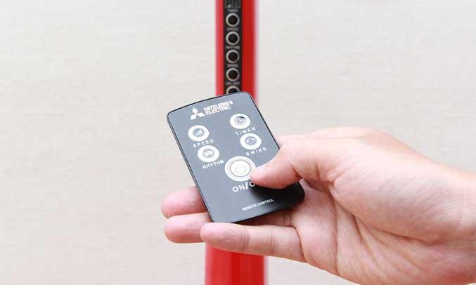 Quạt được trang bị điều khiển từ xa thông minh giúp người dùng thuận tiện