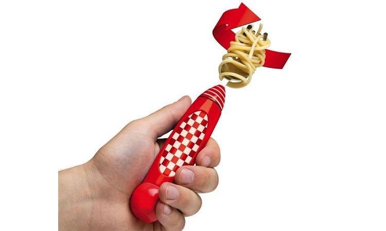 """Nĩa ăn mì Ý """"siêu ngầu"""""""