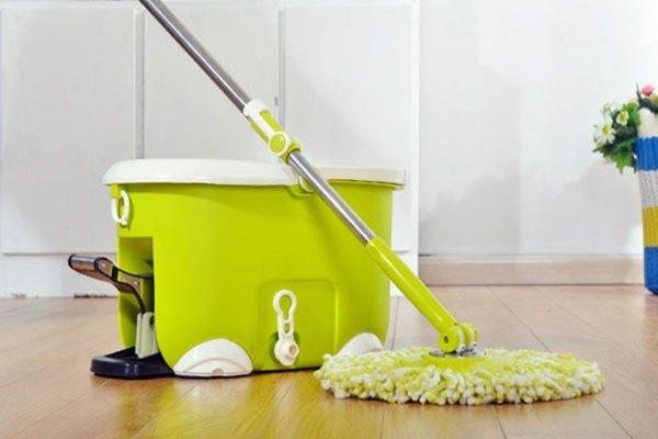 Bộ lau nhà có cây lau nhà cứng cáp, các khớp nối vừa vặn sẽ giúp bạn dễ dàng hơn trong việc làm vệ sinh nhà