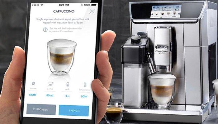 Máy pha cà phê thông minh có thể dùng điện thoại để điều khiển