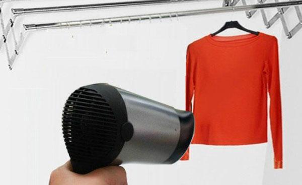 Không cần bàn là, máy sấy tóc vẫn có thể làm phẳng quần áo đấy!