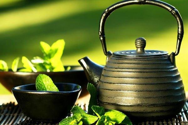 Thêm nước trà vào nồi cơm điện khi nấu cơm sẽ giúp bữa ăn nhà bạn thêm dinh dưỡng