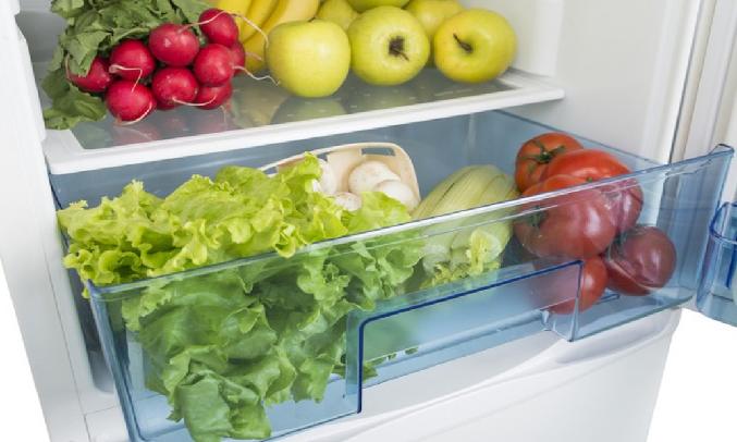 Tủ lạnh Aqua 130 lít AQR-T150FA (BS) - Ngăn rau quả khép kín giúp thực phẩm tươi lâu