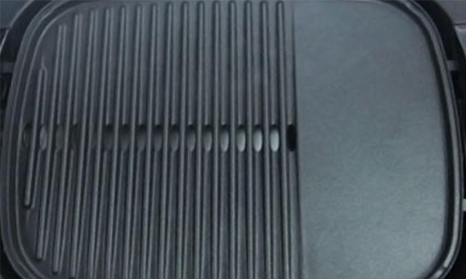 Vỉ nướng Pensonic PTG-102 bề mặt chống dính