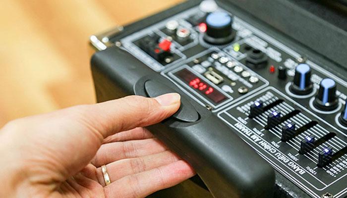 Cần chọn thiết bị có thương hiệu nổi tiếng, tránh hàng trôi nổi không rõ nguồn gốc trên thị trường