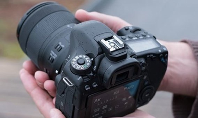 Máy ảnh Canon EOS 80D KIT 18-55MM hiện đại