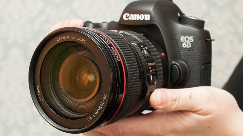 máy ảnh Canon EOS 6D có thiết kế gọn nhẹ thích hợp cho việc đi du lịch