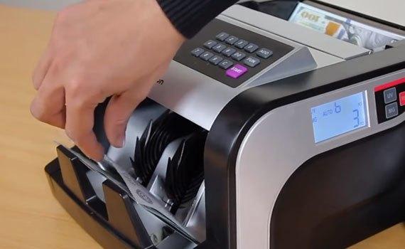 Máy đếm tiền Silicon MC-3600 có khả năng phát hiện tiền giả
