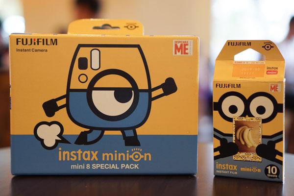 Fujifilm Instax Mini 8 Minion đáng yêu thế này thì chắc hẳn bạn trẻ nào cũng sẽ muốn sở hữu rồi!