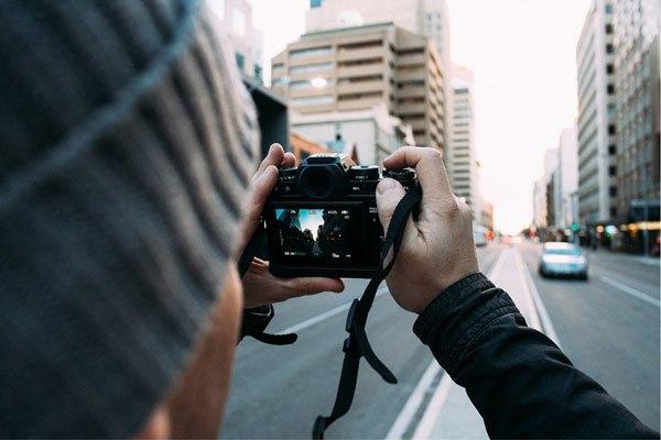 Đừng để việc lưu giữ khoảnh khắc đẹp với máy ảnh bị cản trở chỉ vì dung lượng pin nhé!
