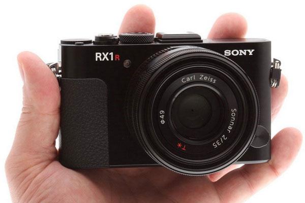 Máy ảnh compact sẽ thích hợp với những ai không đặt quá nhiều nhu cầu lên một thiết bị chụp ảnh