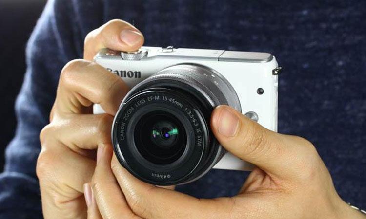 Máy ảnh Canon chia sẻ dữ liệu dễ dàng nhờ các kết nối phong phú như không dây Wi-fi, USB và cổng HDMI