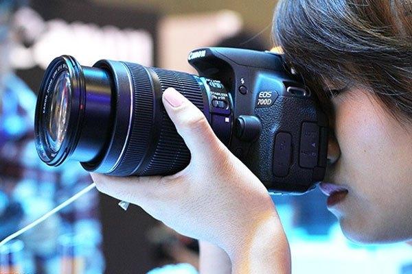 Lấy nét tay để tiết kiệm pin máy ảnh hiệu quả