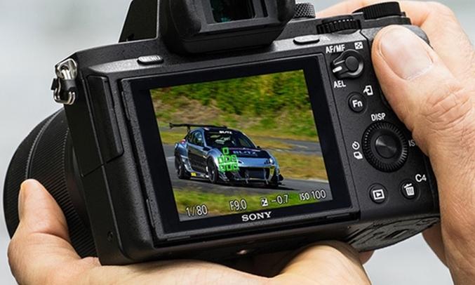 Máy ảnh Sony Alpha ILCE-72M2K thân máy hợp kim magiê chắc chắn