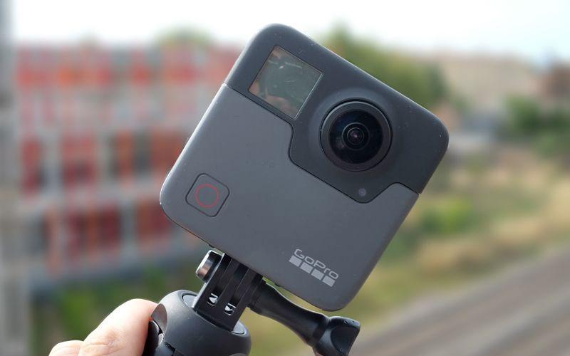 """Được trang bị thêm nhiều khả năng hỗ trợ cho việc chụp ảnh và quay phim giúp GoPro Fusion như """"hổ mọc thêm cánh"""""""