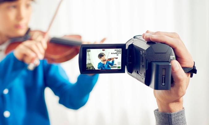 Máy quay phim Sony KTS FDR-AX40 âm thanh sống động như thật