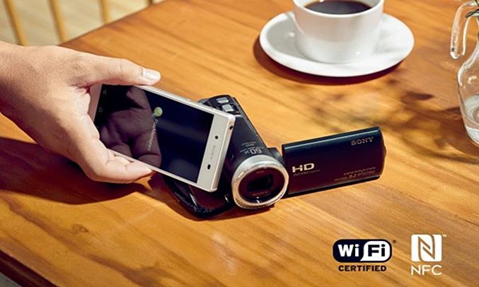 Máy quay phim Sony KTS FDR-AX40 điều khiển từ xa và chia sẻ một chạm